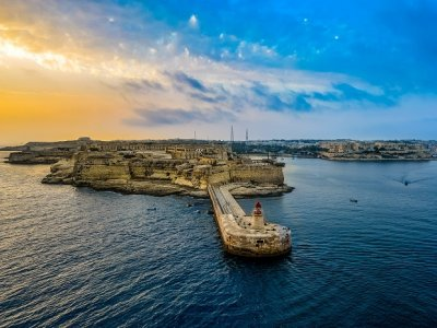 A SHORT GUIDE TO HOTEL BOOKING IN MALTA